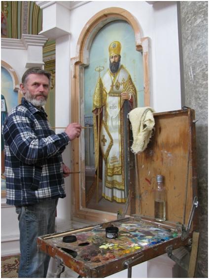 Художник Петро Буджаковський під час роботи над образом священномученика