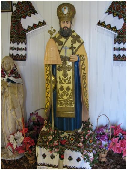 Фігура блаженномученика в капличці
