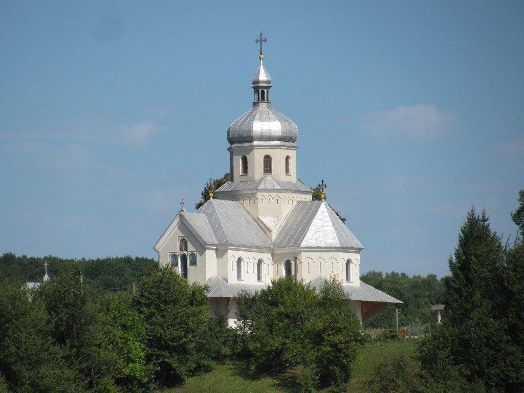 церква в Девятниках